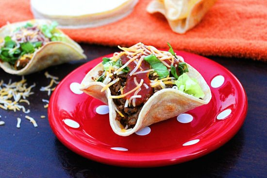 Mini Taco Salads #SundaySupper from BigBearsWife.com @bigbearswife