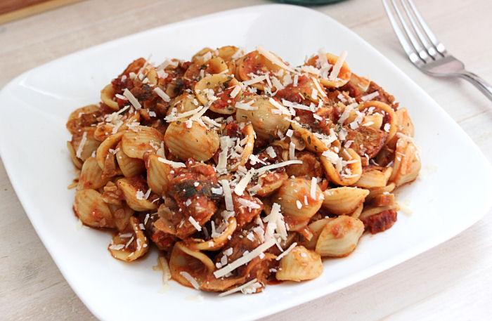 Sun-Dried Tomato Chicken Orecchiette {Pasta} BigBearswife.com @bigbearswife