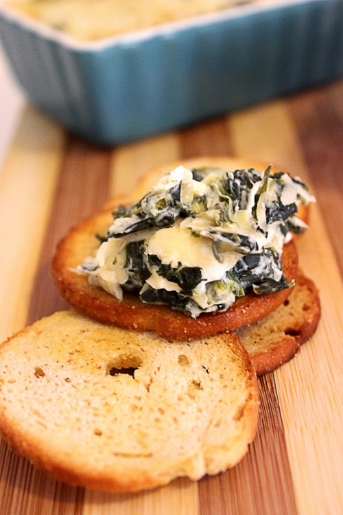 Cheesy Spinach and Artichoke Dip with Parmesan Crisps #SundaySupper BigBearsWife.com @Bigbearswife