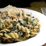 Spinach Artichoke Alfredo Pasta & a Healthy Dreamfields Pasta Giveaway