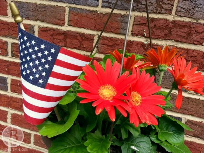 Flowers - Memorial Day - BigBearsWife.com