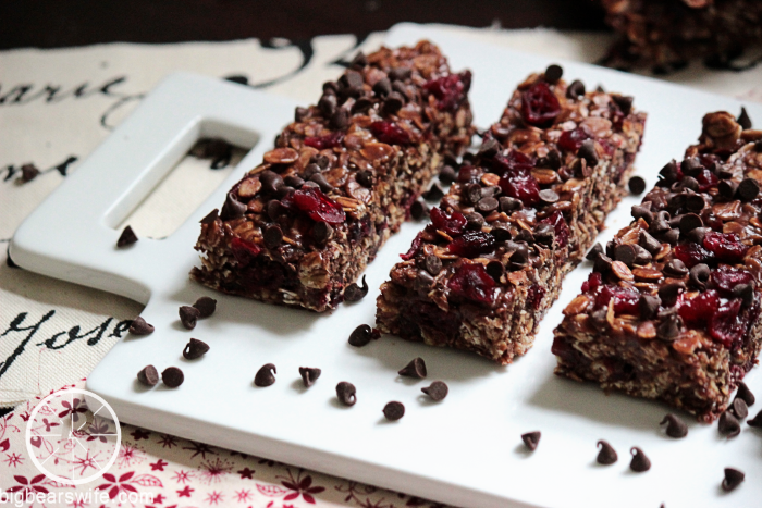 Chocolate Chip Craisin Granola Bars #BrunchWeek BigBearsWife.com