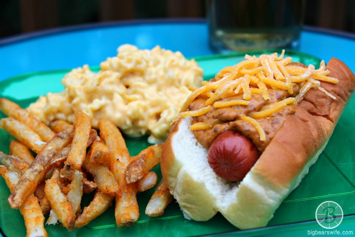 CHEESY CHILI DOGS