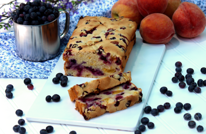 Blueberry Peach Bread | BigBearsWife.com