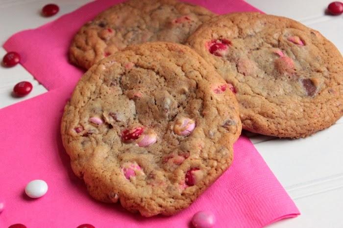 Monster Chocolate Chunk M&M Cookies   BigBearsWife.com