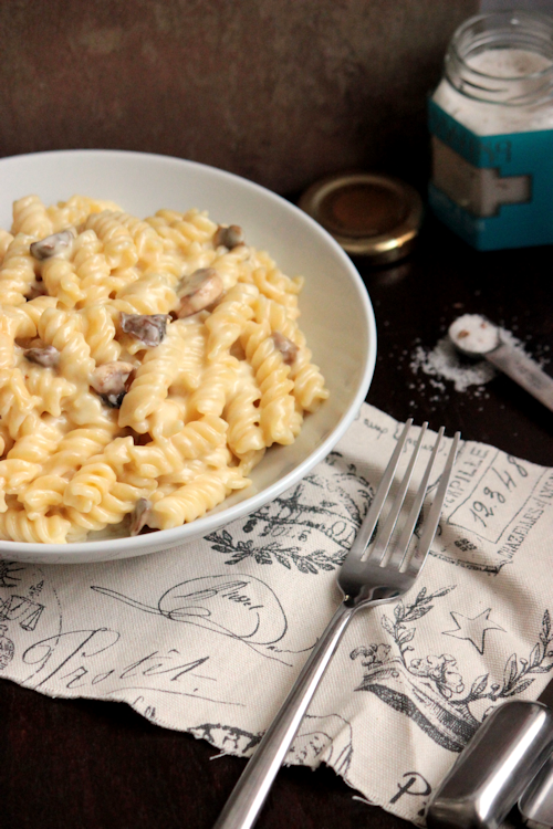 Mushroom and Truffle Sea Salt White Cheddar Macaroni and Cheese #maccheesemania  | BigBearsWife.com