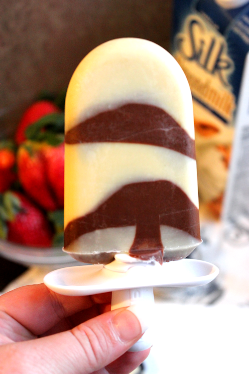 Silk Milk Pudding Pops - Strawberry Banana, Blackberry Chocolate, Blueberry Banana and More! @LoveMySilk #MyBloom #SilkLove