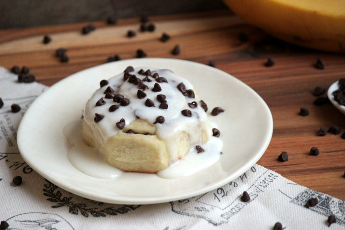 Chocolate Chip Banana Sweet Rolls #SundaySupper | BigBearsWife.com