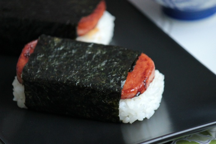 Spam Musubi  - Hawaii Eats | BigBearsWife.com