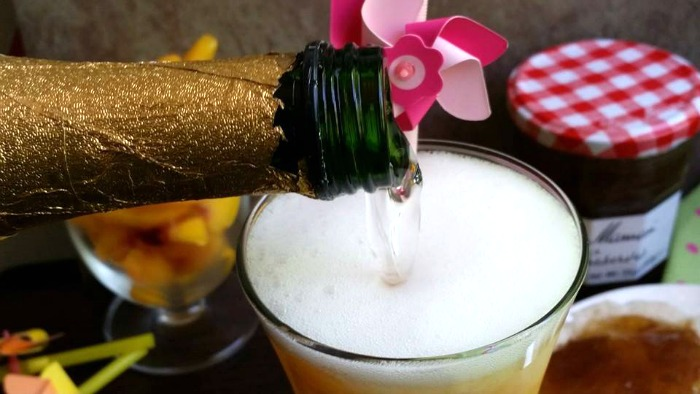 Pineapple Peach Mimosa | BigBearsWife.com #BrunchWeek