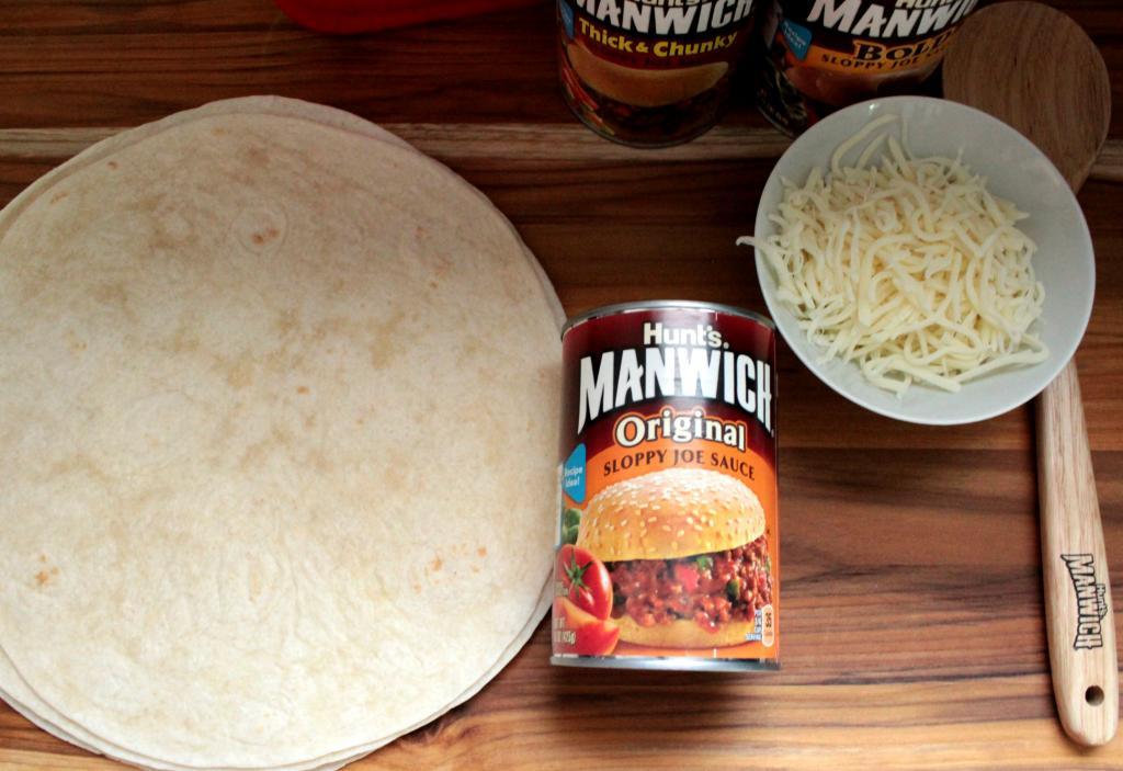 Making Baked Manwich Burritos #Manwich