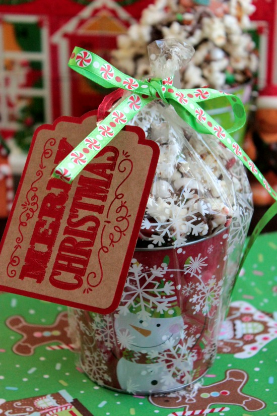 Chocolate Christmas Popcorn - Homemade Gift Idea