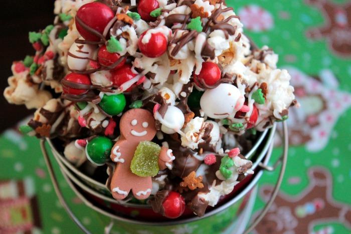 Chocolate Christmas Popcorn - Big Bear's Wife