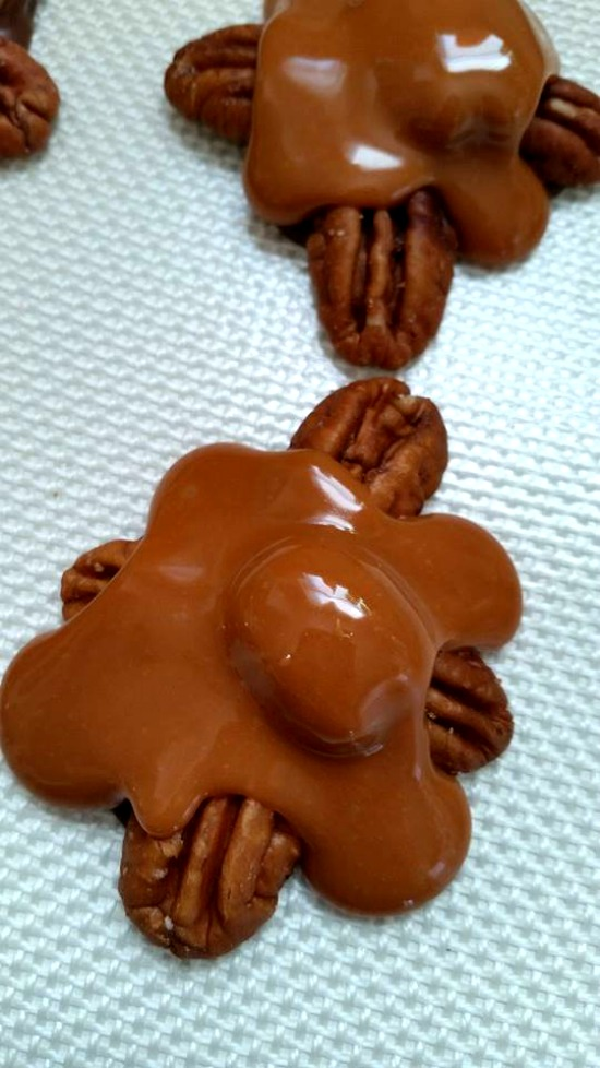 How to make Homemade Chocolate and Caramel Pecan Turtles
