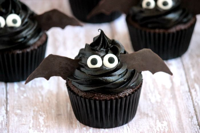 halloween bat cupcakes