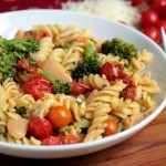 Rotini With Broccoli and Tomatoes