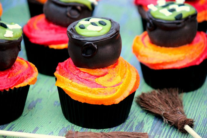 Cauldron Cupcakes #SundaySupper