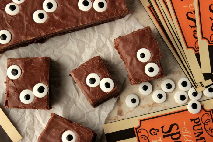 Spooky Eyeball Fudge Brownies - Super easy brownies with a fudge topping and candy eyes make up these Spooky Eyeball Fudge Brownies!