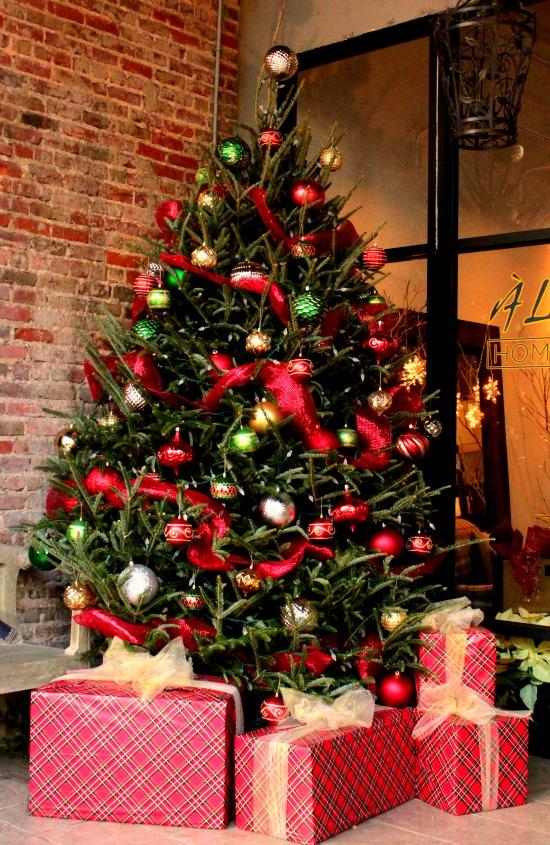 Downtown Danville, VA Christmas Decorations