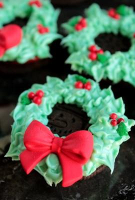 Oreo Cookie Wreaths