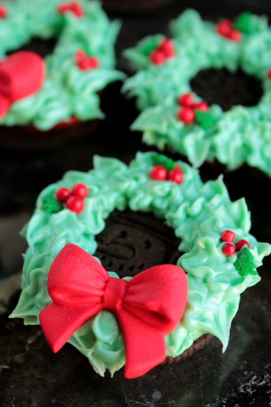 Oreo Cookie Wreaths
