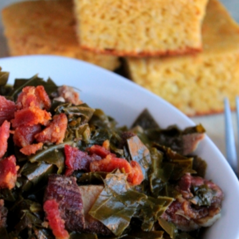 SOUTHERN SLOW COOKED COLLARD GREENS