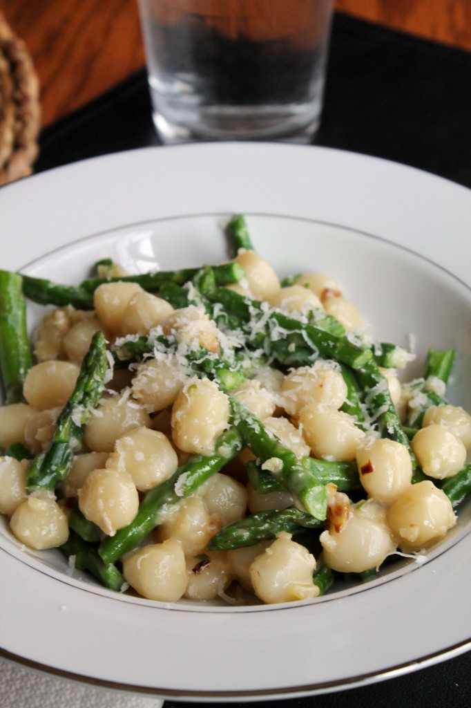 Gnocchetti with Asparagus and Garlic-Gorgonzola Sauce 2