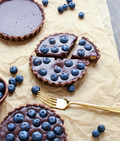 No-Bake Blueberry Chocolate Tart by Cooking and Beer