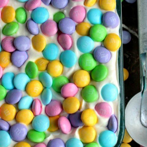 Easter Ice Cream - {No Machine Required} Easter M&M Ice Cream