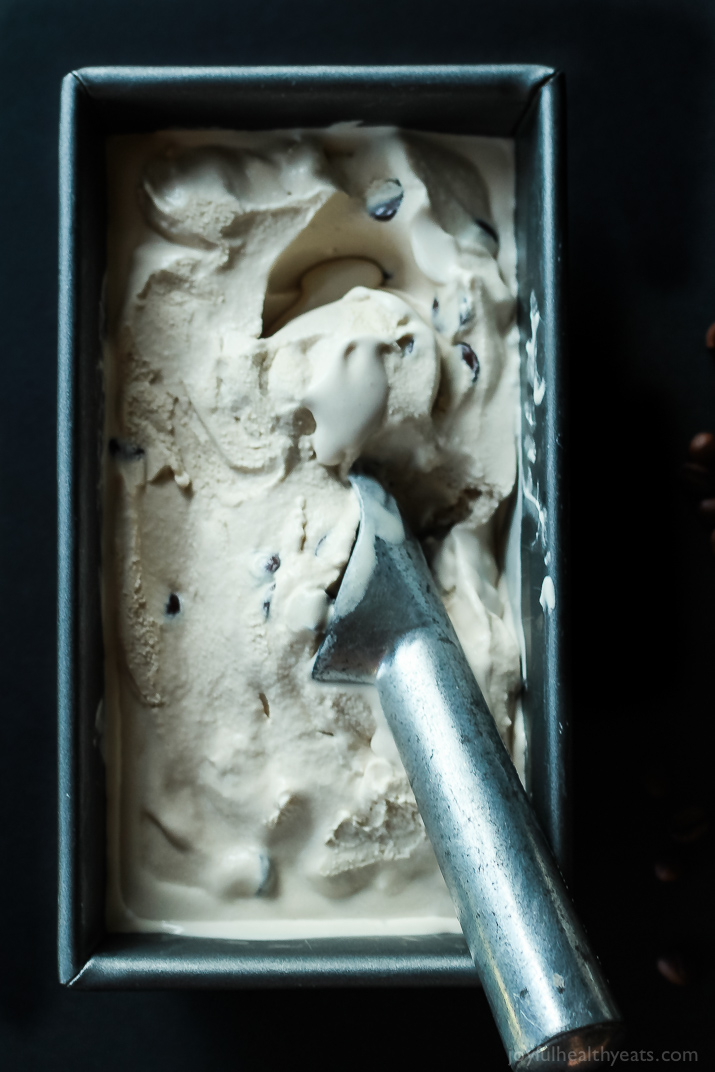 My wildest dessert dreams can true with this Espresso Chocolate Chip Ice Cream; its dairy free, sugar free and absolutely amazing! Win! | www.joyfulhealthyeats.com #paleo