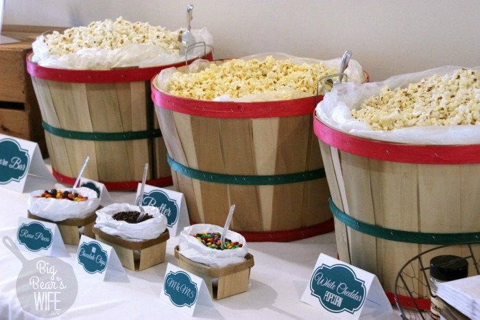 We need to have a popcorn bar like this at every party! How cool is that!