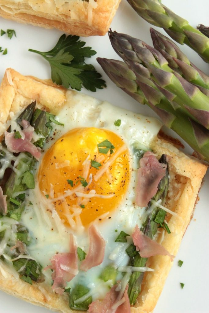 Individual Asparagus and Egg Tarts with Parmesan and Prosciutto