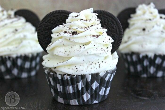 Mickey Mouse Oreo Cupcakes | BigBearsWife.com