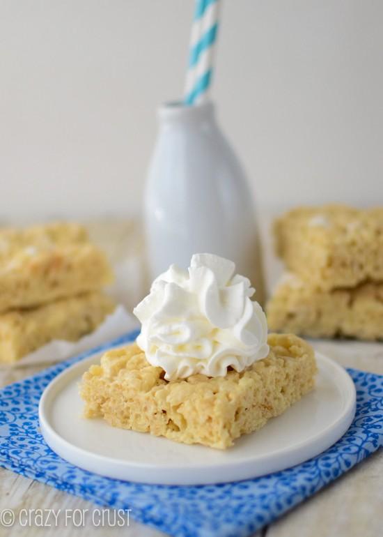 Banana-Cream-Pie-Krispie-Treats (2 of 5)