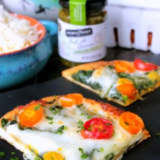 Spinach and Tomato Pesto Flatbread Pizza