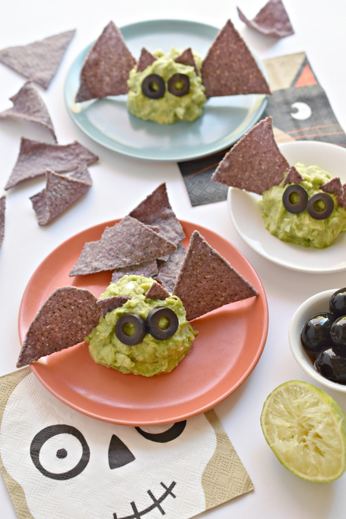 Guacamole Halloween Bats The spooktacular way to serve up appetizers to your guests