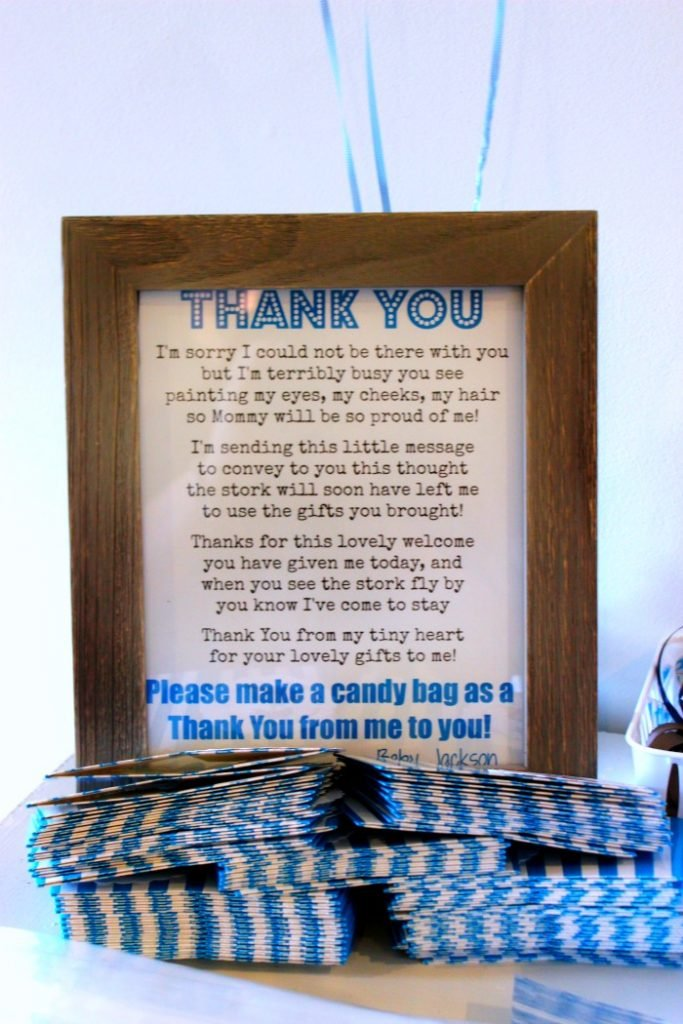 How to Set up a Candy Bar for Party Favors (8)