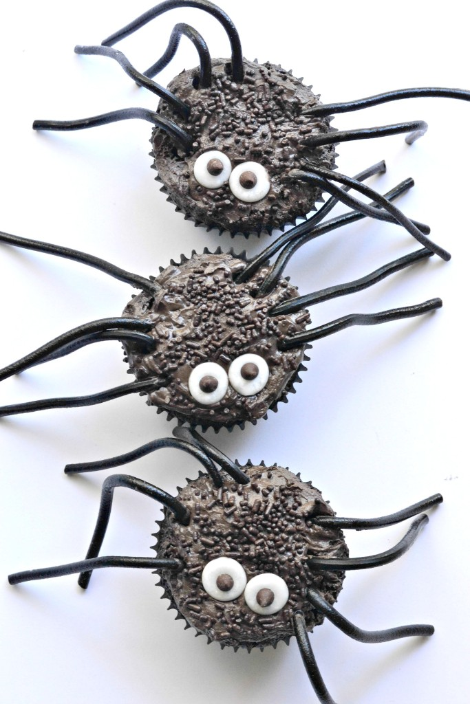Creepy Crawler Spider Cupcakes (gluten free vegan)