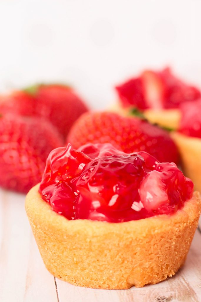 Fresh Strawberry Pie Cookie Cup with no topping