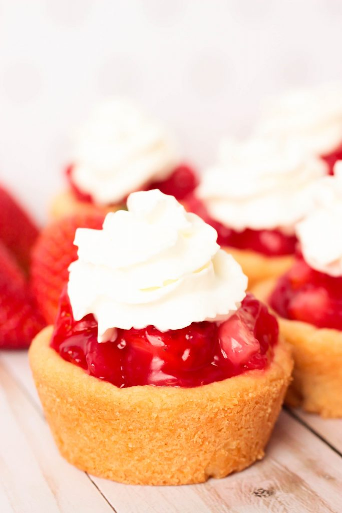 Fresh Strawberry Pie Cookie Cups with Whipped Cream