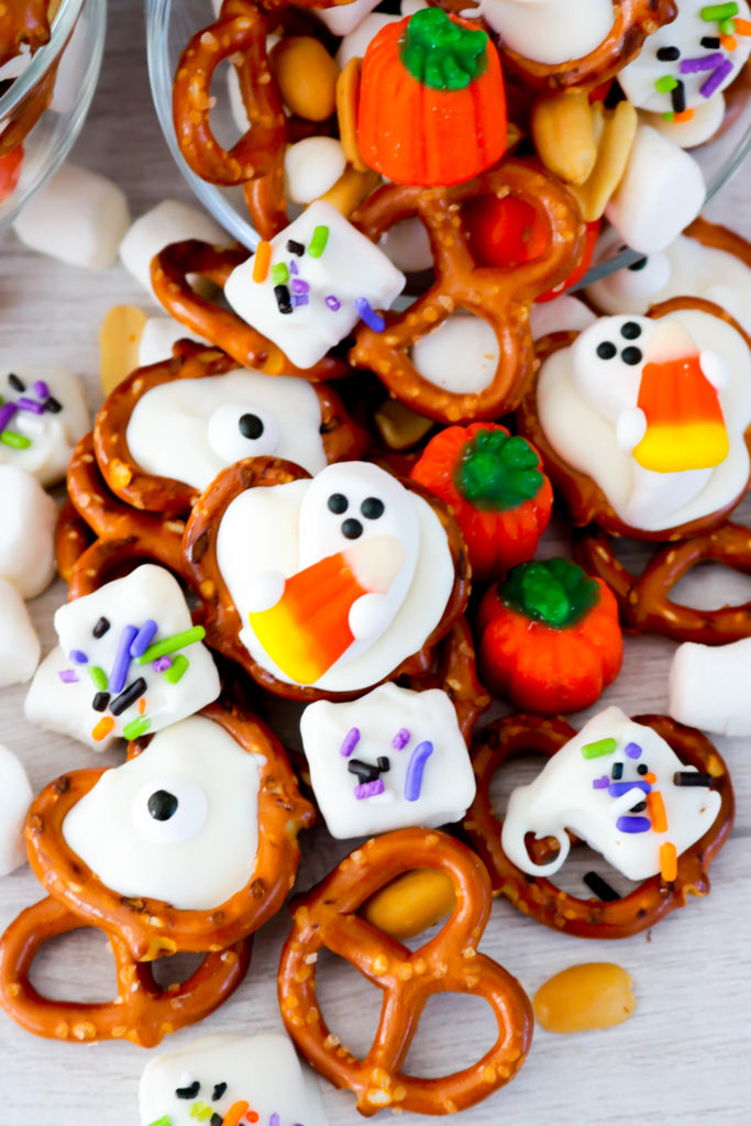 Ghostly Sweet and Salty Snack Mix