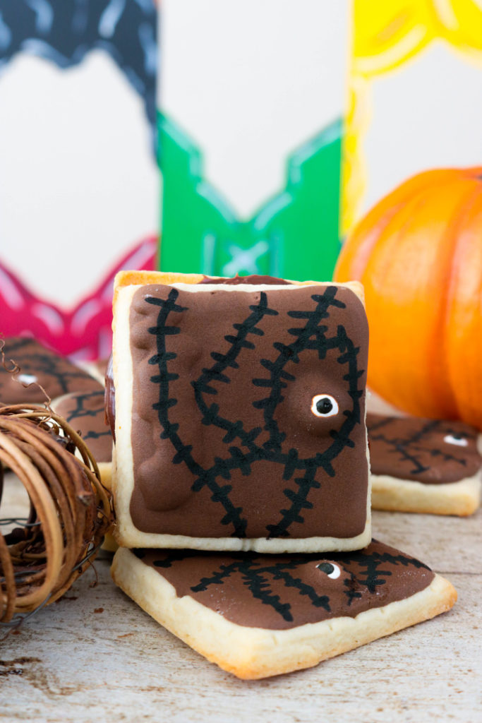 Hocus Pocus Spellbook Cookie Sandwiches
