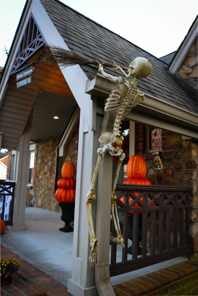 Wondrous Our 2018 Halloween Decorations Witch Theme Big Bears Wife Download Free Architecture Designs Rallybritishbridgeorg