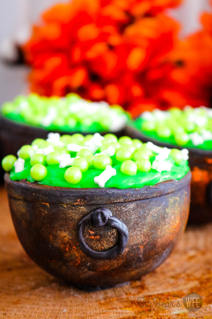 Chocolate Candy Witch Cauldrons #HalloweenTreatsWeek