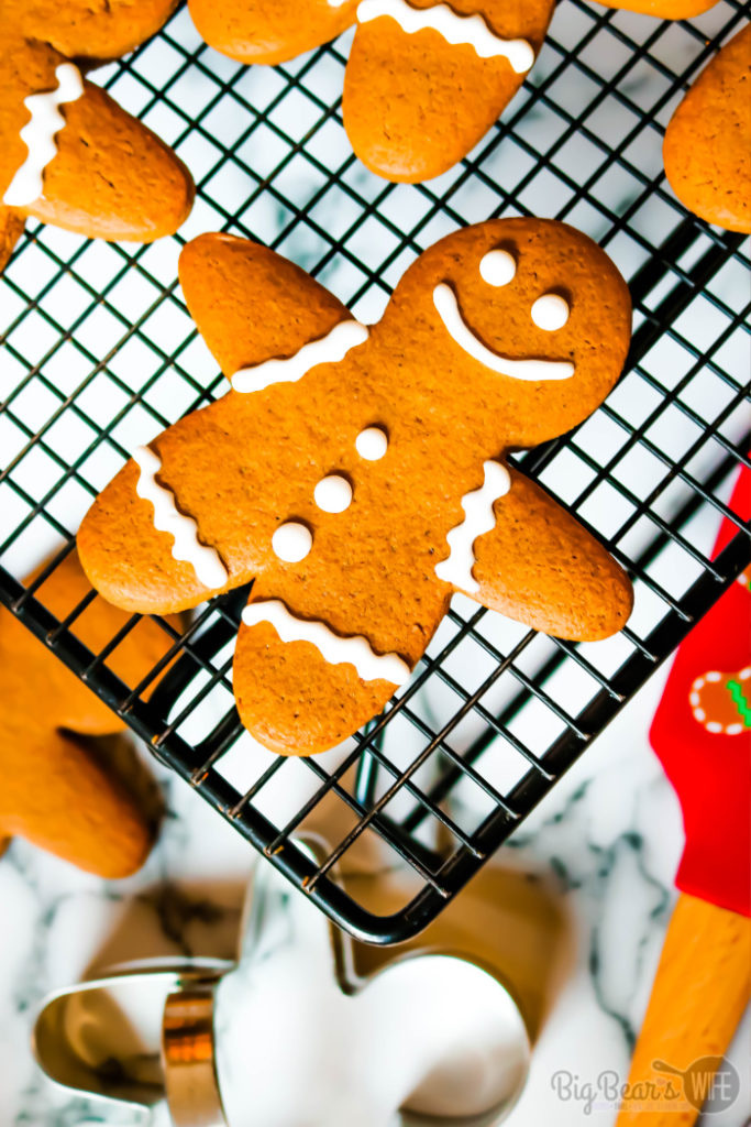 Classic Gingerbread Men Cookies - Classic Gingerbread Men Cookies are so perfect for the holidays! This gingerbread cookie dough holds up for perfectly for gingerbread cutout cookies or can be baked longer to create gingerbread men cookie ornaments for the Christmas Tree!