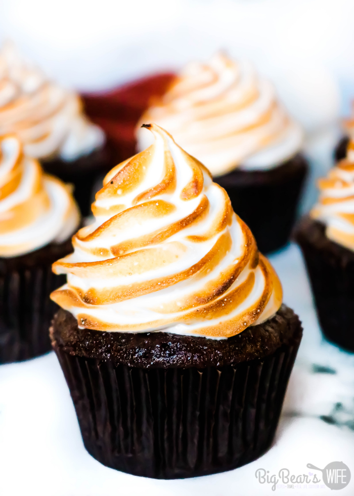 Toasted Marshmallow Cupcakes bring the taste of campfire marshmallows and homemade chocolate cupcakes together in this tasty and easy dessert recipes.